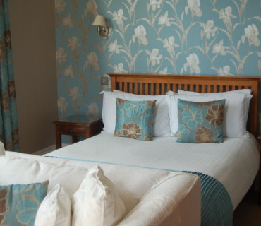 Deluxe En-suite Double Room (Room Only - select breakfasts if required via
