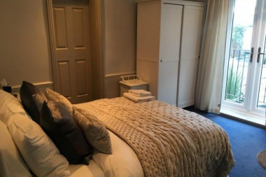 Deluxe Double En Suite Room (inc Continental Breakfast)