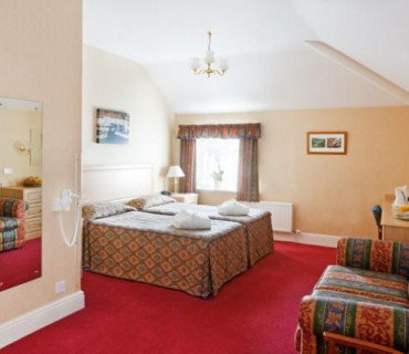 Deluxe Twin Bedded Room - Price Includes Dinner, Bed And Breakfast
