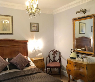 Room 11 - Ensuite Double (with Partial Views Of Garden)