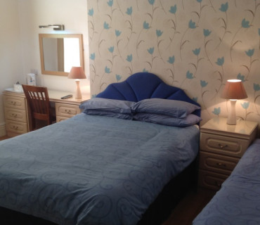 Double or Twin Room En-Suite (Including Continental Breakfast)