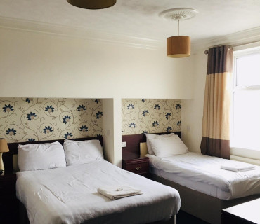 Family En-suite Room(Including Continental Breakfast)