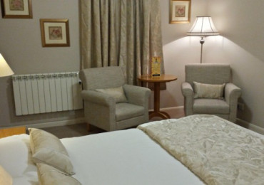 Twin En-Suite Room & Free WIFI