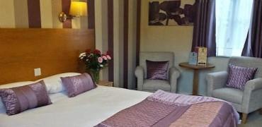 Double En-suite with Breakfast-Free Wifi