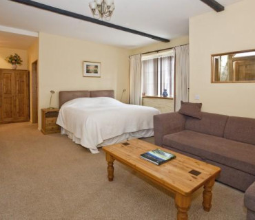 Superior Super King Size En-suite Dinner, Bed And Breakfast Rate