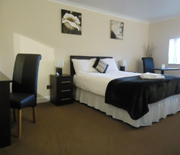 Large Double En suite (inc. breakfast)