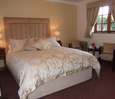 Superior King Room En-suite - including Breakfast