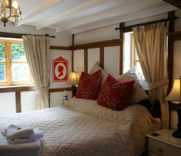 Romantic Private Garden Cottage Room (inc. Full Breakfast)