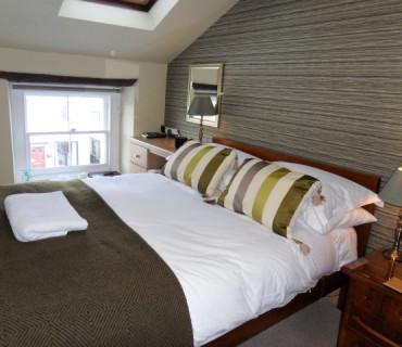 R6 -2nd Floor Double En-suite Room (inc. Breakfast)