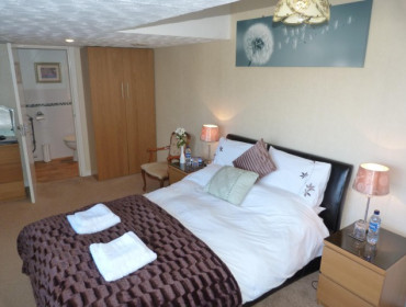 Room 5 Double Deluxe En-suite Room (Inc Breakfast)