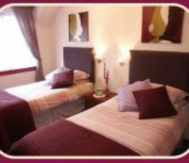 Rm 7 Twin En-suite Room (inc. Breakfast)