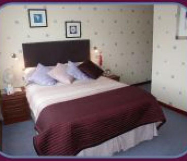 Rm 8 Double En-suite Room (inc. Breakfast)