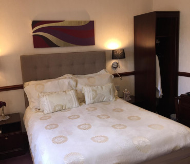 Rm 5 Double En-suite Room (inc. Breakfast)