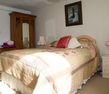 Paddock View - Double Room (inc. Continental Breakfast)