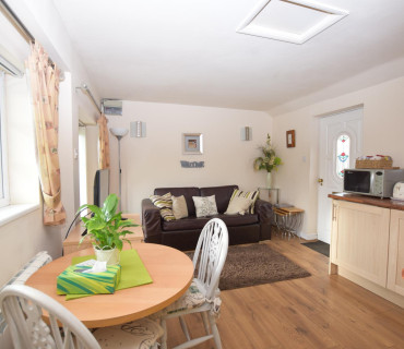 Self Contained Cottage kingsize