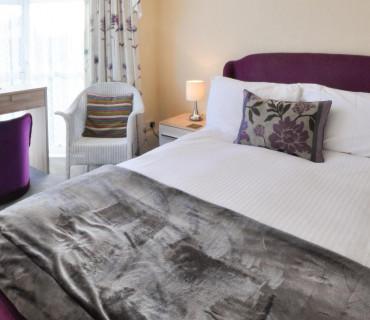 Room 7:Large Double with En-suite. Breakfast Inc.