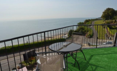 Sea view with balconyTwin En-suite Room (inc. Breakfast)