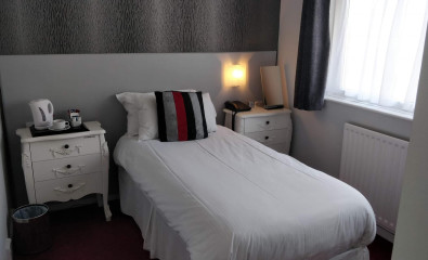 Single Room En-suite Room (inc. Breakfast)