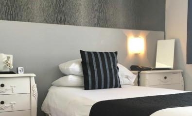 Single Room En-suite Room (inc. Breakfast)