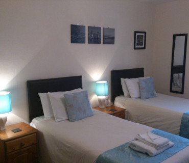 Twin Room (inc. Breakfast) sleeps upto 4 with 2 pull out beds