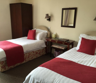 7.Twin Room En suite (inc breakfast)