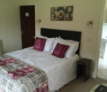2.King Size En-suite Room (inc. Breakfast)