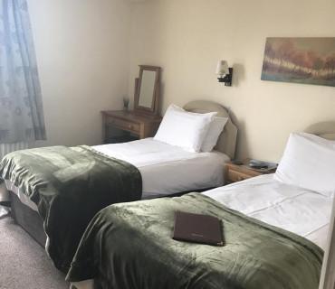 7.Twin Room En-suite (inc breakfast)