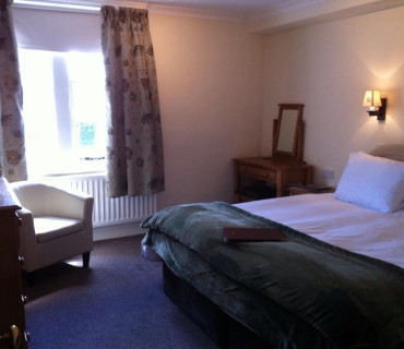 7.Superking En-suite Room (inc Breakfast)