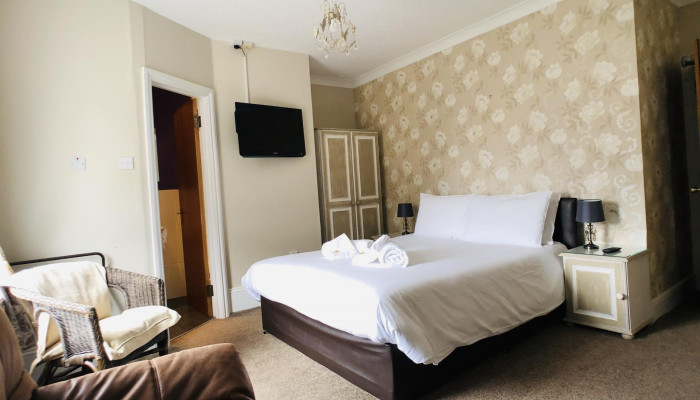 Family En-suite Room - Devonshire(2 adults 3 children)