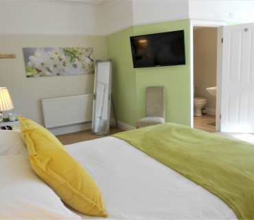 King Size en-suite room 3 (inc. Breakfast)