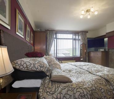 King Size Bed En-suite [incl Breakfast]