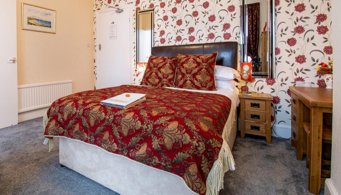 Room 1 - Ground Floor Double with En-suite (including breakfast)