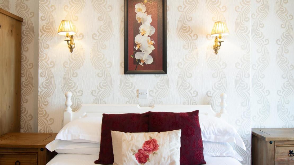 Room8.4.jpg_1534693727