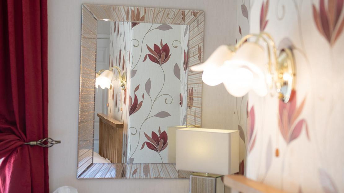 Room9.4.jpg_1534694185