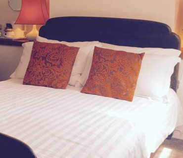 Beams - Double Bed En Suite Including Continental Breakfast