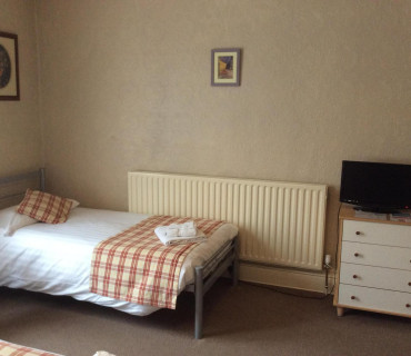 1st Floor Family En-suite Room (inc. Breakfast)
