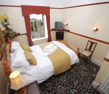 (ROOM 11) Standard Double Room With Limited Sea Views Room only*( NO BREAKFASTS )