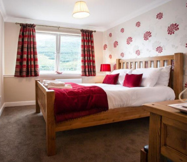 Double En-suite Loch View Room Includes breakfast