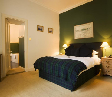 Rear View Double En-suite Room (inc breakfast)