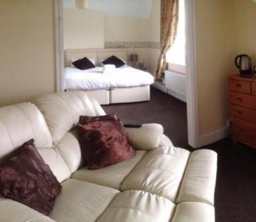 Snowdon Suite ( En suite) ROOM ONLY