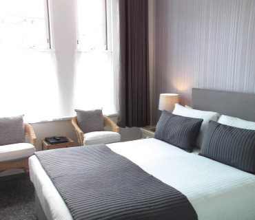 Deluxe King En-suite Room (inc. Breakfast) Non-Refundable