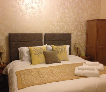 Super King Size En-suite Room