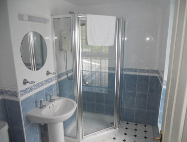 Suite - Twin With Wet Room