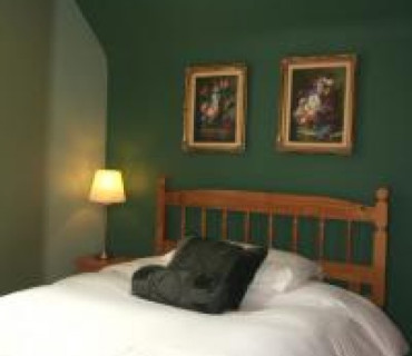 Double For Single Occupancy En-suite Room (inc. Breakfast)