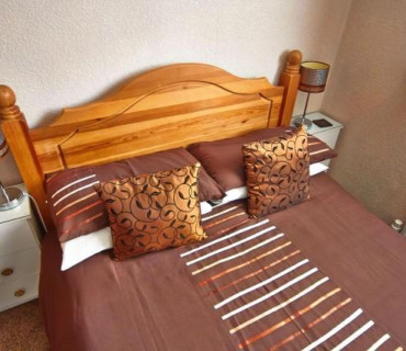 Small Double En-suite Room (including Breakfast)