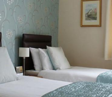 1.Superior Twin En-suite Room 1st Floor (inc Breakfast)