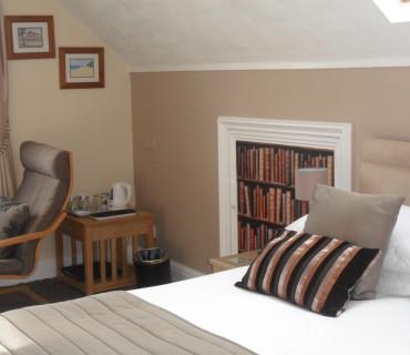 5.Super Kingsize Room En-suite 2nd Floor (inc Breakfast)