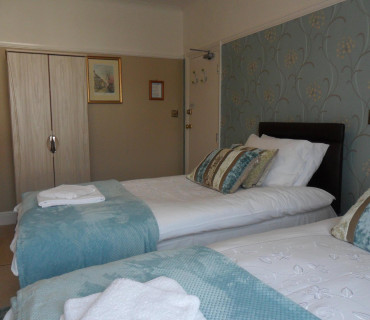 1 Super King SizeEn-suite Room (room only)