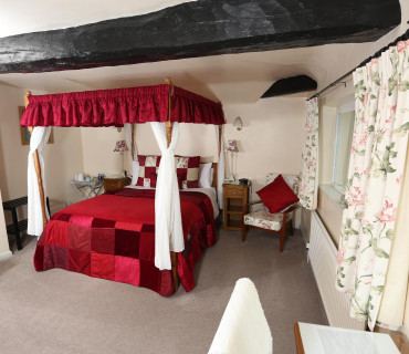 King Size Four Poster Room (inc. Breakfast)
