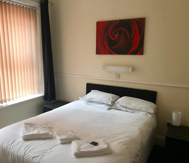 Room with double bed no breakfast
